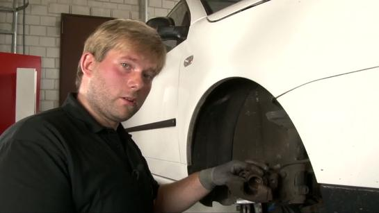 The Mechanic Episode 3 - changing the brake disc